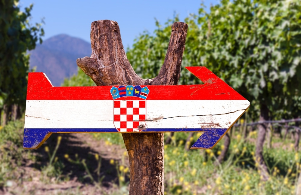 bigstock-croatia-flag-wooden-sign-with--95330417_1000